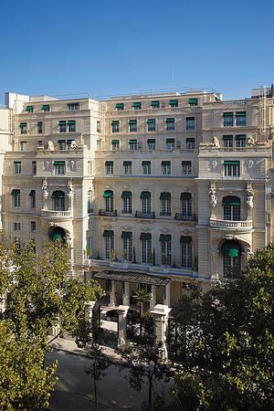 Shangri_La_Hotel_Paris_Eingang