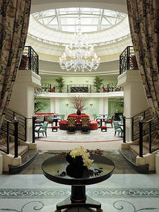 Shangri_La_Hotel_Paris_Halle